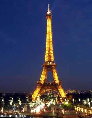 Nighttime Eiffel Tower Pictures on 38 Eiffel Tower By Night   Jessy La Parisienne   Linda Moni   Photos