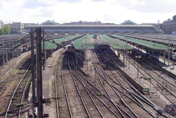 Les Quais De La Gare De L 39 Est Jessy La Parisienne