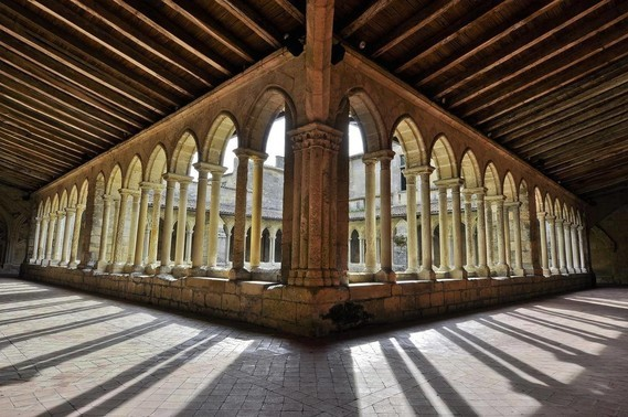 cloître des Cordeliers à St Emilion