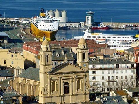20 Bastia , le port