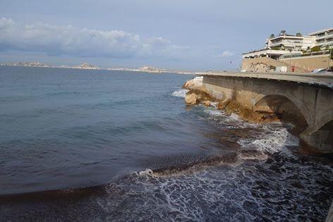 13 Marseille , la corniche
