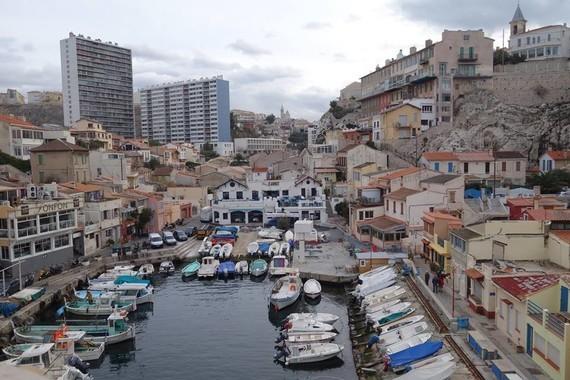 13 Marseille le vallon des Auffes
