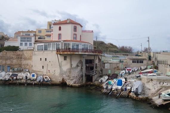 13 A Marseille