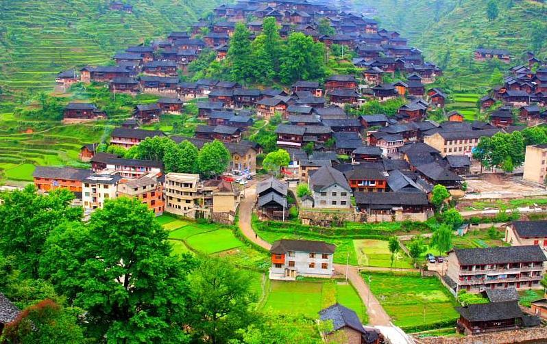 Narodna Republika Kina - Page 3 Chine-village-miao-chine-village-miao-big