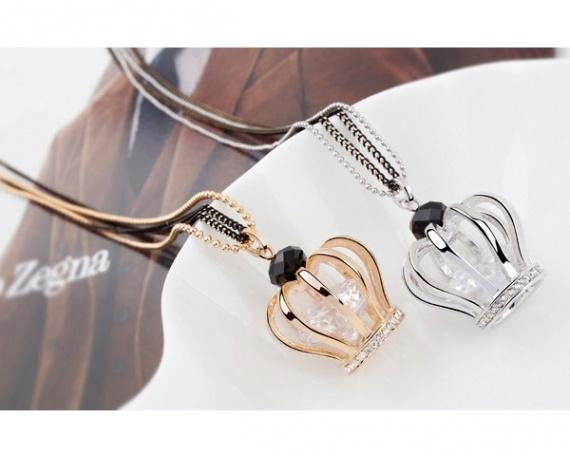 Collier + pendentif cristal swarovski la reine dispo en or ou argent fantaisie