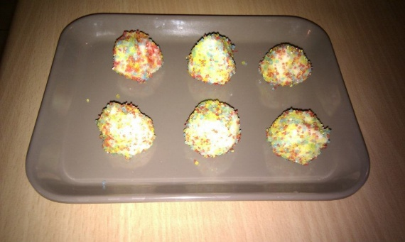 Truffes chocolat blanc-noix de coco (Et sucre coloré !)