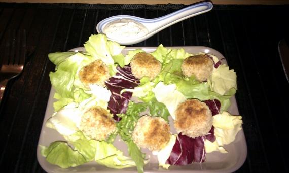 Boulettes de thon chaudes & sauce citronnée