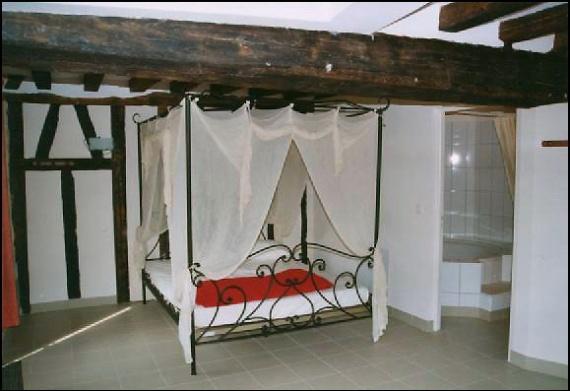 La chambre nuptiale 25 m avec salle de bain privative et for Chambre nuptiale