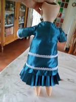 Thérèse avec  robe et veste