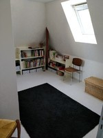 côté bureau de,la chambre de ma fille papier peint blanc