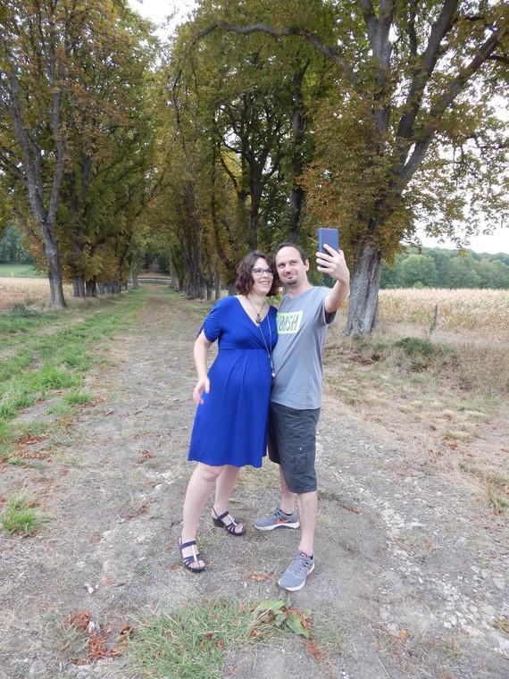 c et a selfie