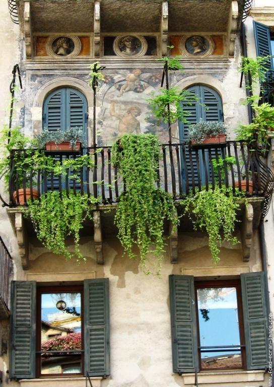 balcon-fresque-et-trompe-l-oeil