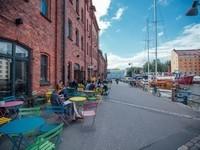 Finland_Helsinki_cafe_street_web_by_JuliaKivela__MG_3292-400x300