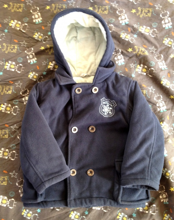 manteau chaud gar on 4 ans vide dressing enfant et. Black Bedroom Furniture Sets. Home Design Ideas