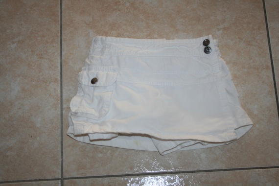Jupe Short In extenso 2€