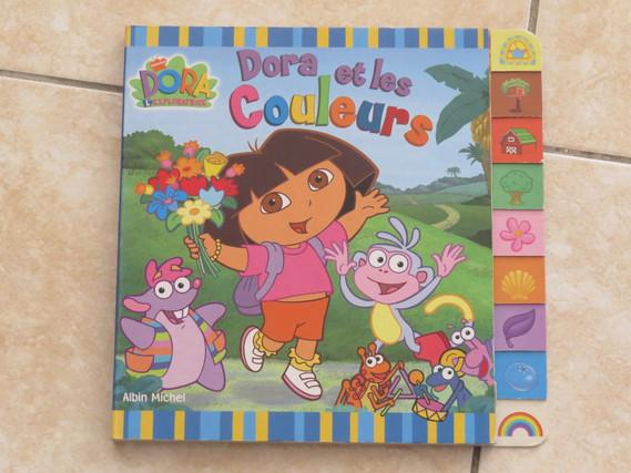 Dora et les couleurs 3€