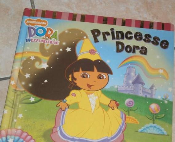 Dora princesse 2€