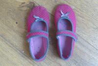 Chaussons 30 2.50 €