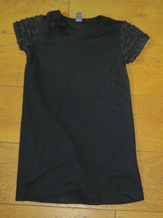 Zara robe noire 4€