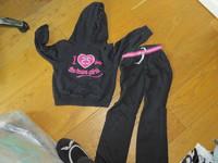 jogging noir NKY 2.50 €