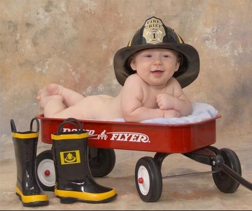 bébé pompier.jpg1.