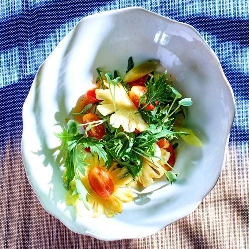 ananas-roquette-a-la-vinaigrette-de-mangue