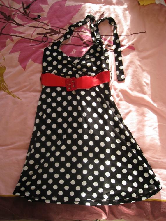 robe_noire-blanc-rouge_jennyfer