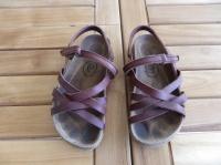 """sandales en cuir """"qui courait dans l'herbe..."""" p.28"""