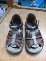 sandales kickers p.23