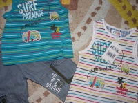 "Ensemble La compagnie ""Banana Beach"" 2ans TBE (un t-shirt neuf étiqueté)"