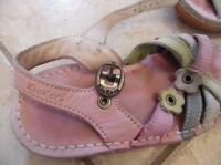 Sandales rose Kickers p.25 - 7€