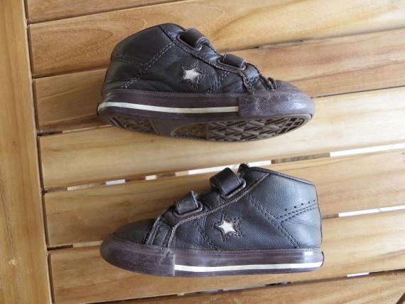 0707c54c908d0 Baskets Converse en cuir marron p.22 (taille 23) - bien portées ...