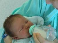 accepter le biberon bébé allaité