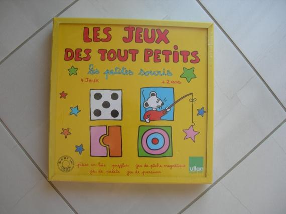 coffret de jeux pour les tout petits fnac eveil et jeux jouets manulette photos club. Black Bedroom Furniture Sets. Home Design Ideas
