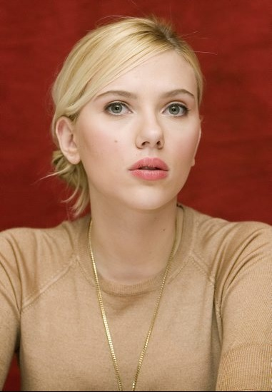 Scarlett-Johansson-actresses-1418654-381-550