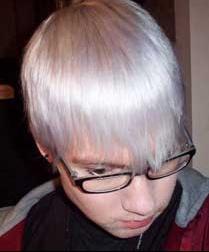0 votes1 vote0 vote0 votes1 vote0 votevoir limage en grand - Coloration Cheveux Blancs Homme