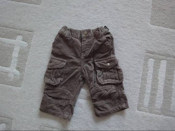 pantalon velours marron 4€