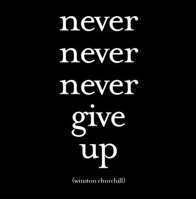 M93~Il-ne-faut-jamais-jamais-jamais-abandonner-Winston-Churchill-Affiches