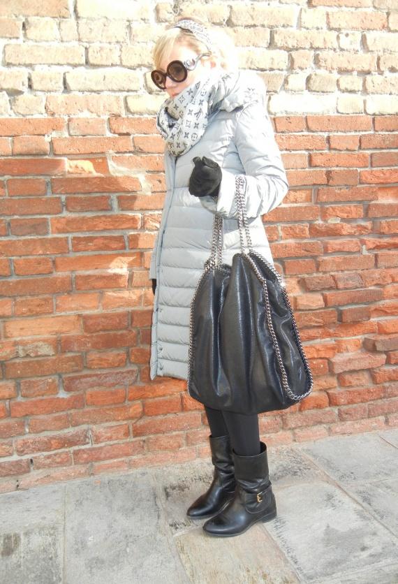 moncler-grigio-car-shoe-giacche