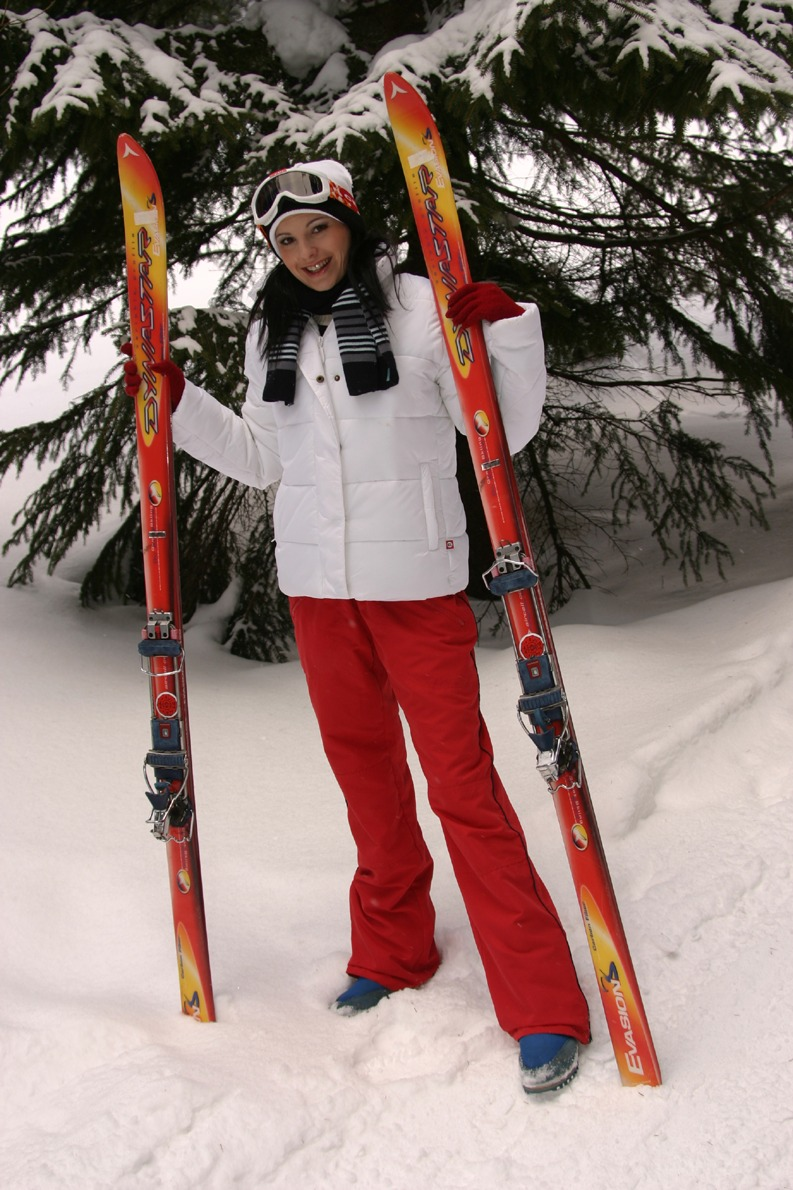 Clothed Unclothed Cold Gf Girlfriend Outdoor Pants Down Ski Snow