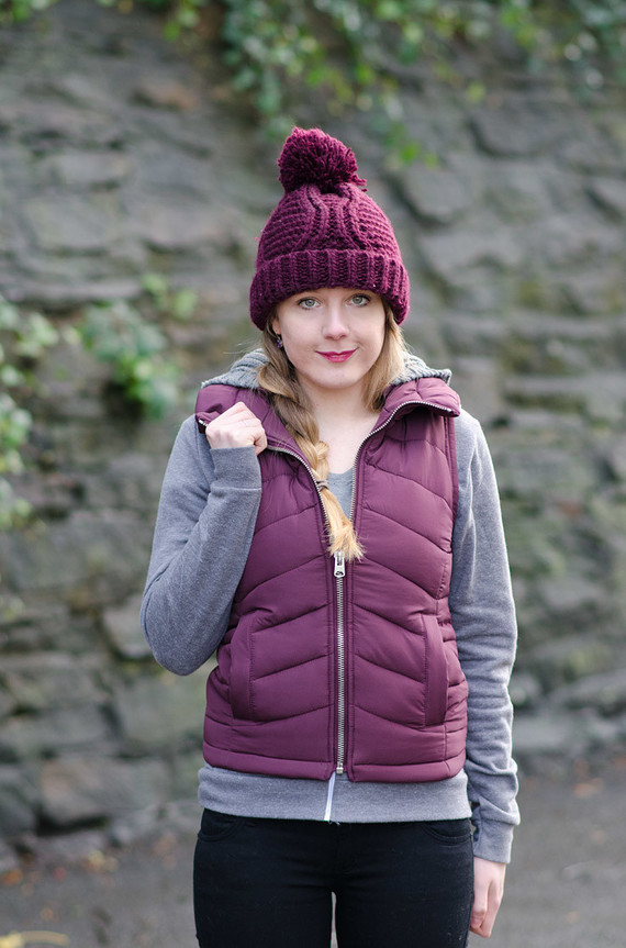 burgundy-gilet-outfit