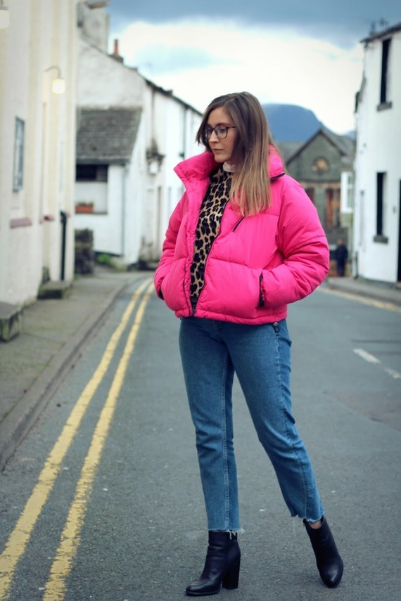 Pink New Look Puffa Jacket Zara Top HM Jeans 4