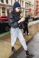 celebrity-boyfriend-jeans-2018-249562-1518646226052-main-700x0c