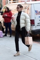 bella-hadid-out-and-about-in-new-york-01-25-2018-9
