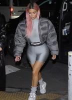 kim-kardashian-headed-to-dinner-in-tokyo-8