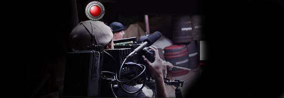 cameraman red