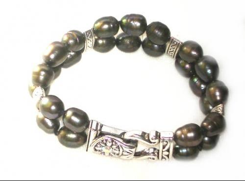 2 rows tahitian bracelet crop no background