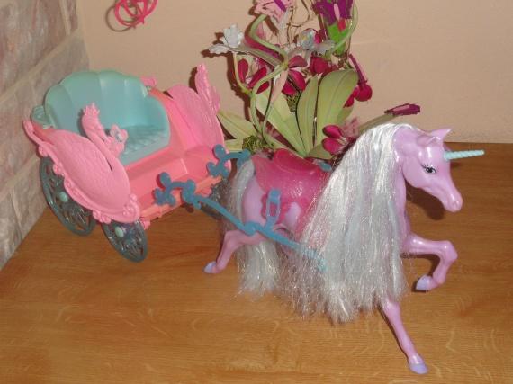 Cal che barbie et sa licorne 15 barbie polly pocket - Caleche barbie ...
