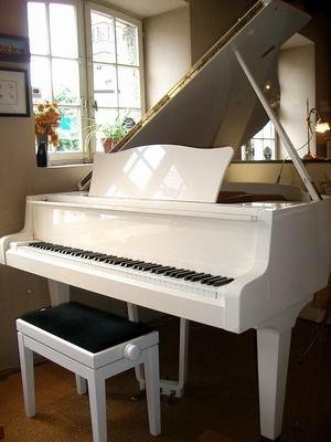 Piano_blanc_quart_de_queue