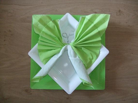 seriettepapillon vert et blanc
